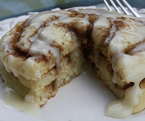 Christmas Morning Cinnamon Roll Pancakes